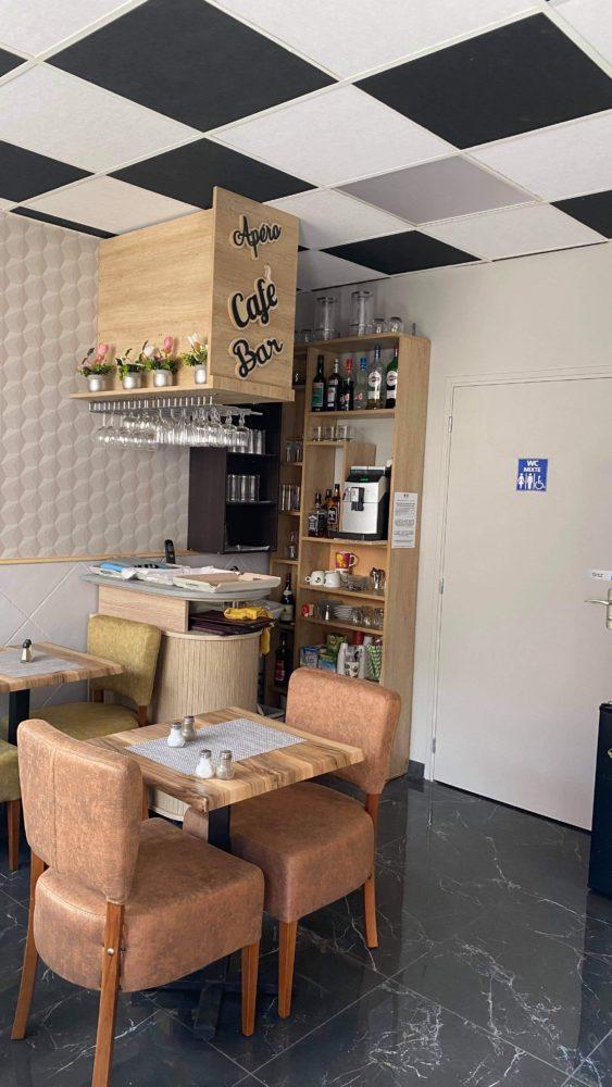 Salle du restaurant méditerranée de Voves